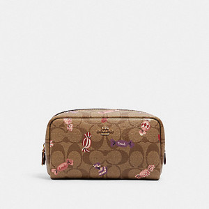 COACH SMALL BOXY COSMETIC CASE IN SIGNATURE CANVAS WITH CANDY PRINT (IM/KHAKI MULTI)