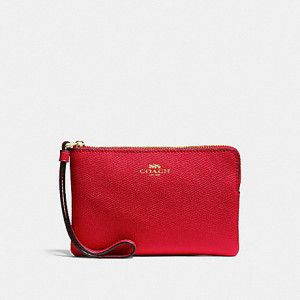 COACH CORNER ZIP WRISTLET IN CROSSGRAIN LEATHER (IM/TRUE RED)