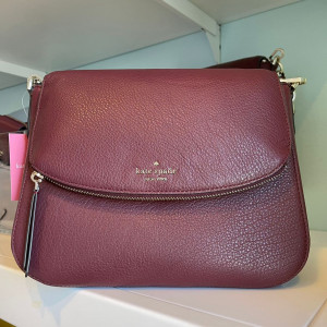 KATE SPADE JACKSON MEDIUM FLAP SHOULDER BAG (CHERRYWOOD)