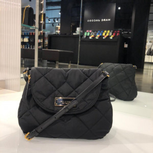 MARC JACOBS QUILTED NYLON (BLACK)